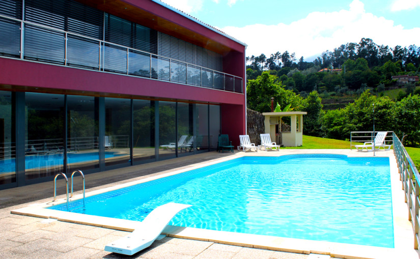 Maison avec piscine : Terras De Bouro, Ribeira