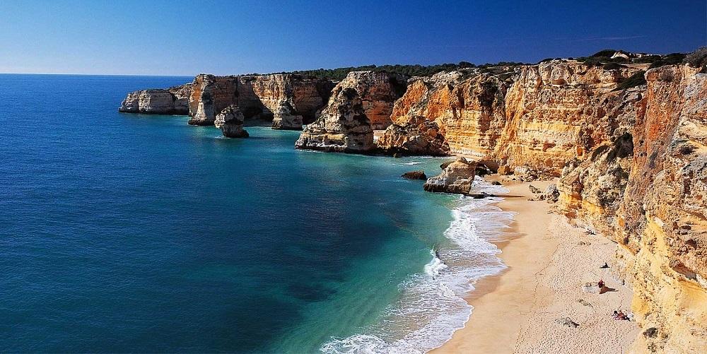 plage-faro-rochers-portugal1