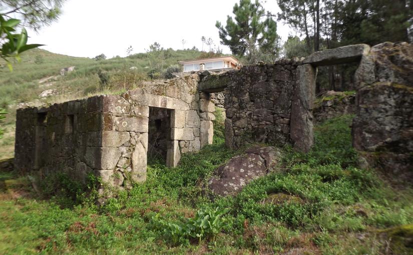 TERRAIN, située à Ponte, Vila Verde.
